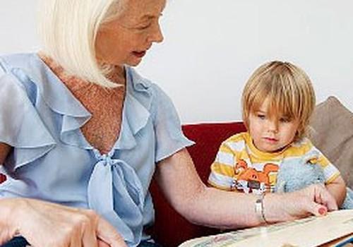 """Apgāds """"Jumava"""" un """"Trasta komercbanka"""" dāvina grāmatas Bērnu klīniskās universitātes slimnīcai"""