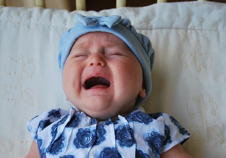 Pie velna kaimiņus, šovakar pirms aizmigšanas ļāvu savam bērnam raudāt