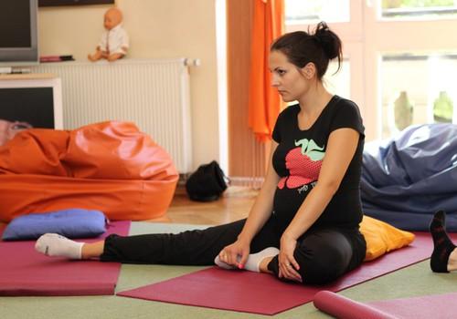 SABĪNES BLOGS: Grūtnieču joga Māmiņu Klubā manām acīm
