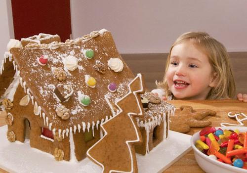 Gaidot Ziemassvētkus: Svētku saldumu paciņu saturu ēdam ar mēru