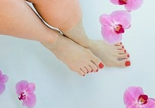 VIDEO: Palutini sevi kāju vanniņās!