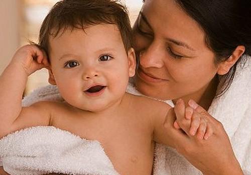 Kā rūpēties par mazuļa jutīgo ādiņu?