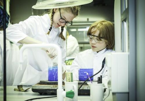 Šogad veselas septiņas aizraujošas zinātniskās nedēļas no Laboratorium.lv!