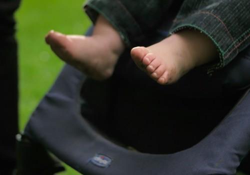 Domājot par bērna imunitāti, ļauj mazulim vasarā pēc iespējas vairāk staigāt ar basām kājām