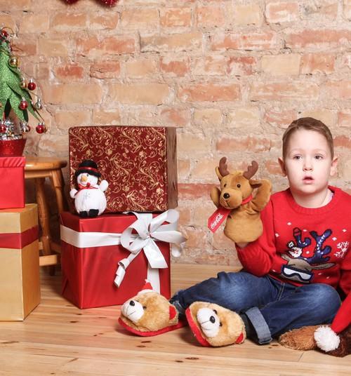 Ko darīt, lai Ziemassvētku eglīte priecētu ilgāk?