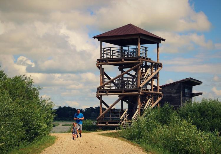 Turpinot Baltu ceļu- Durbes kaujas piemiņas vieta un Liepājas ezera skatu tornis