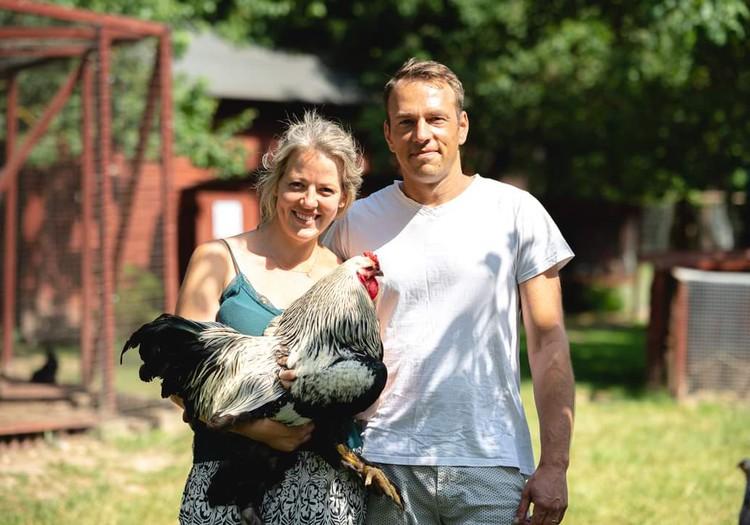Ziemeļu ģimene par izvēli dzīvot laukos un tūrisma uzņēmējdarbību.
