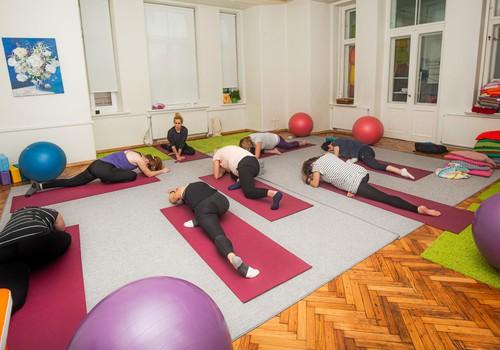 Joga grūtniecības laikā: aicinām uz nodarbībām KLĀTIENĒ pie jogas pasniedzējas Lienes Krauzes!