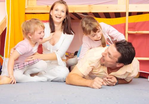 Psiholoģe: Pieci pozitīvas audzināšanas principi, kas jāzina katram vecākam