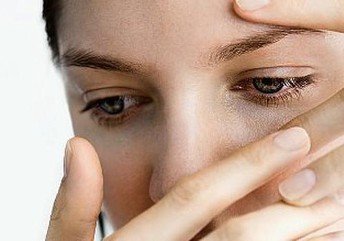 """Dermatoloģe: """"Iemesls apsārtumam ap acīm, varētu būt alerģija!"""""""