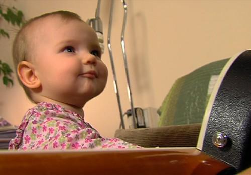 15.02.2015.TV3: izvēlamies barošanas krēsliņu, bērnudārza audzinātājs- vīrietis, ciemošanās pie Labākā tēta
