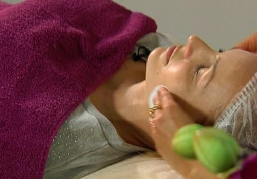 VIDEO: Kā jaunajai māmiņai palutināt sevi? Māmiņu Kluba skaistumkopšanas saloniņā!