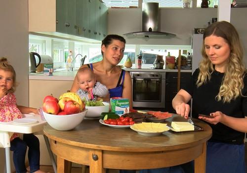 Jaunā māmiņa, kura baro bēbīti ar krūti: Kā izvēlēties sabalansētu uzturu? VIDEO