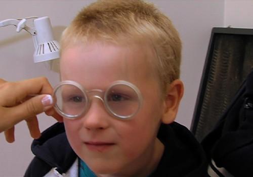 Kāpēc jāved bērns pie acu ārsta?