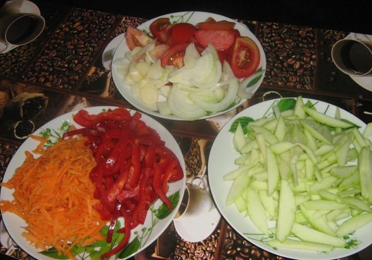 Gatavojam salātus ziemai!