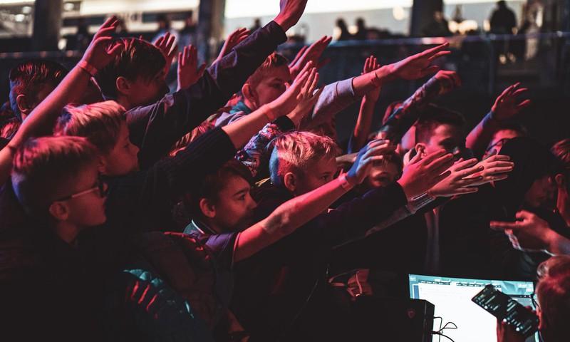 """Ietekmīgākie Latvijas influenceri festivālā """"HyperTown"""" iedvesmos jauniešus un atklās, kā kļūt populāram internetā"""