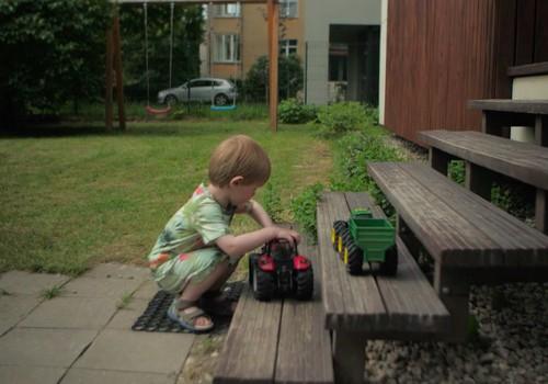 Bērnu drošība. Kas jāatceras par rotaļlietu iegādi un bērnu drošību vasarā