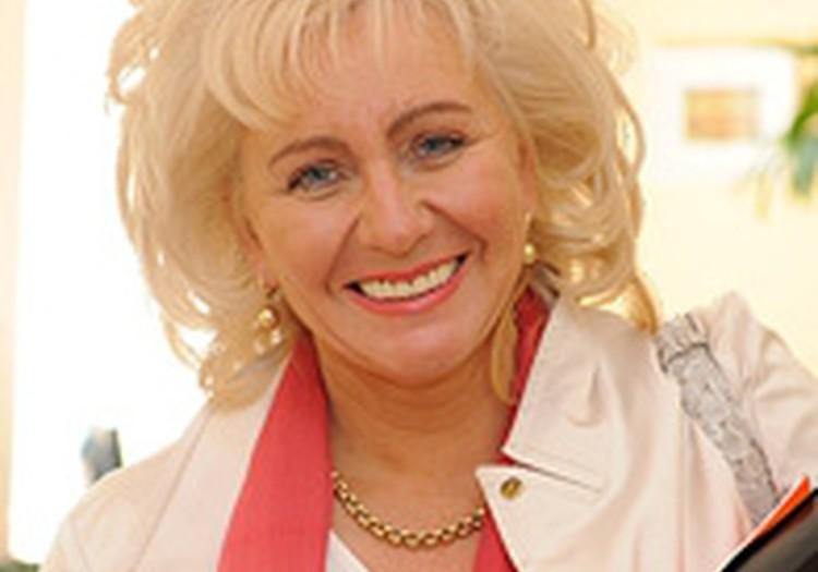 Veselības ministre B. Rozentāle Māmiņu Klubā