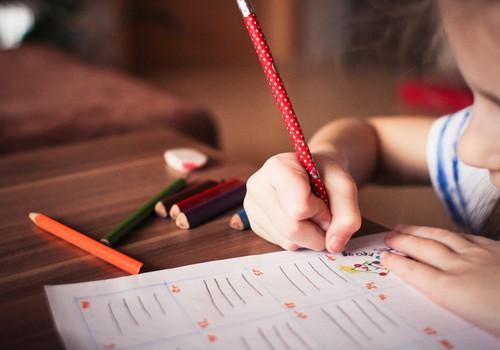 Speciāliste: valodas attīstība atkarīga no komunikācijas ar bērnu