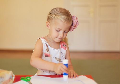 Kā vecākiem palīdzēt bērniem uzsākt skolas gaitas pēc vasaras brīvlaika