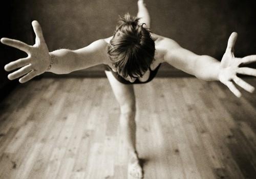 Hatha vinyasa jogas meistarklase sirds atvērtībai