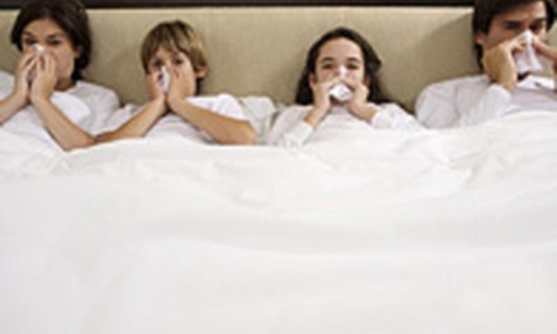 Laboratoriski apstiprināti 527 jaunās gripas gadījumi; sezonālā gripa vēl necirkulē
