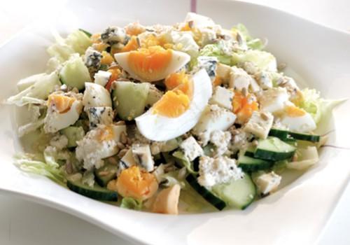 Pēc Lieldienām pāri palikušas krāsotas olas? Visvienkāršākās un gardākās olu ēdienu receptes!