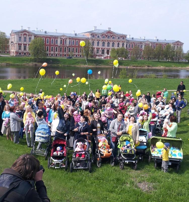 Lielā ratu pastaiga 4 Jelgavā 1.jūnijā