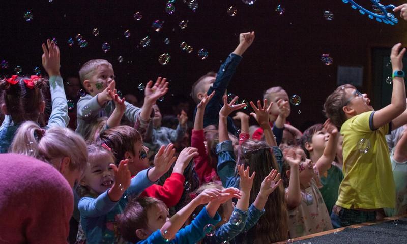 Māmiņu Kongress 23.novembrī jau TREŠO reizi pulcēs jaunos vecākus un Latvijas labākos speciālistus