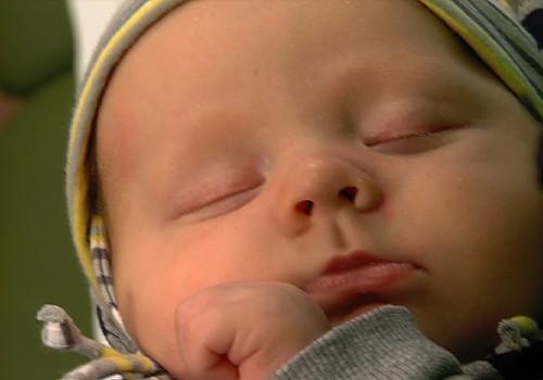 VIDEO: ar kādām saslimšanām un vīrusiem sastopas bērni pirmajos dzīves gados?