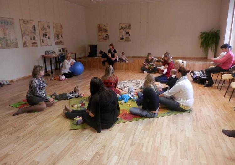 Šodien Jelgavas māmiņu klubā mazuļa hendlings!
