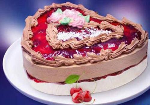 Saldējuma torti mājās varēs baudīt..