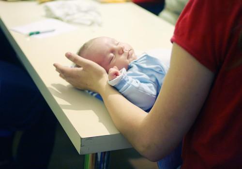 Ambulatorais pediatrs mēneša laikā konsultācijas sniedzis teju 400 bērniem