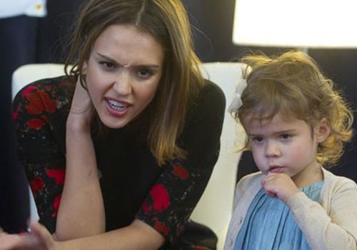 Džesika Alba laidusi pasaulē meitiņu