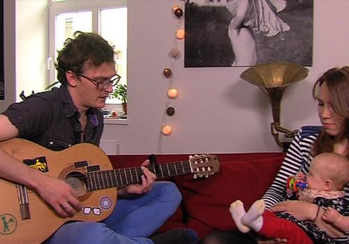 Sirsnīgs VIDEO: Ciemojamies pie Māras Upmanes- Holšteinas un Goran Gora meitiņas Ronjas!
