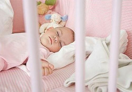 Kā mazulim izgulēt nakti sausam?