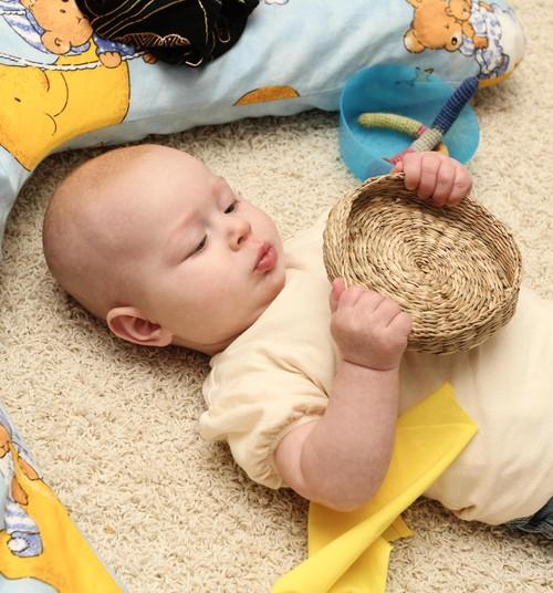 Huggies@ Brīnumu istabas FOTOpadoms: Kā iekārtot rotaļāšanās vidi trīs līdz piecus mēnešus veciem mazuļiem?