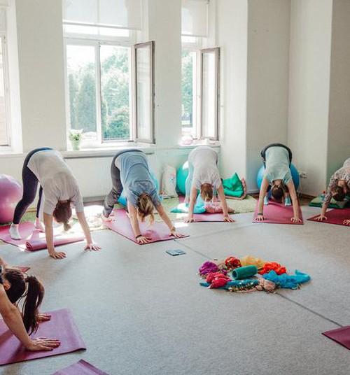 Grūtnieču joga - kāpēc gaidību laikā tā ir tik vajadzīga?
