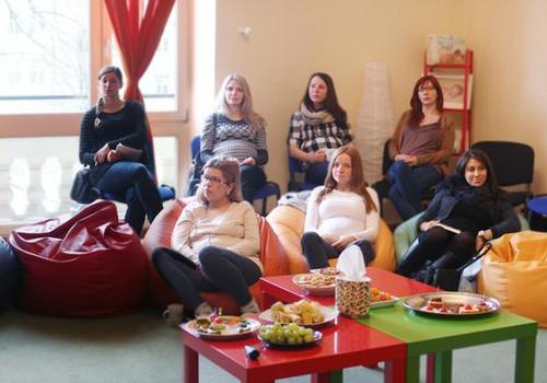 ŠODIEN 13:00 Grūtnieču diena Māmiņu Kluba Vecāku skolā: vēl ir brīvas vietiņas