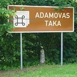 Norāde uz Adamovas dabas taku