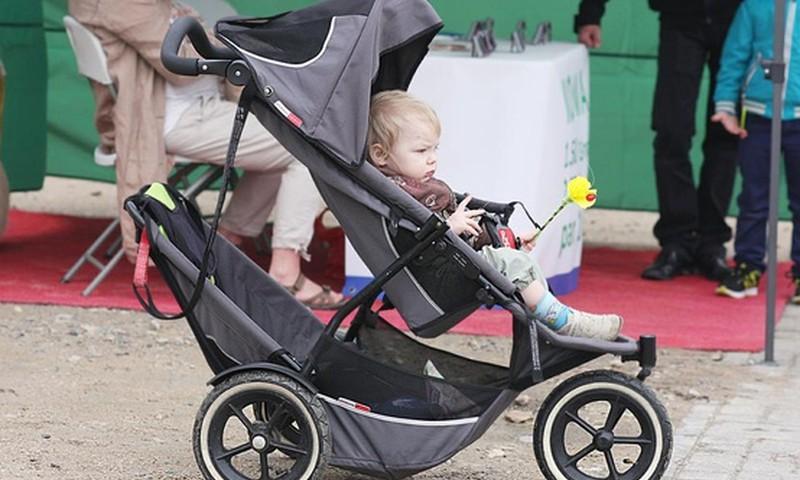 Par ko jāpadomā, lai pastaiga ar bērnu būtu izklaide, nevis pārbaudījums