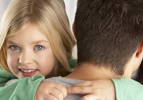 Jaunais tētis: Kā palīdzēt sievai un nekavēt darbu?