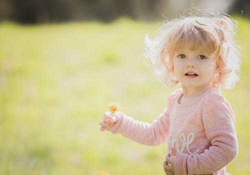 Bērnam alerģija: 5 ierosinātāji, kas visbiežāk izraisa alerģiju vasaras mēnešos