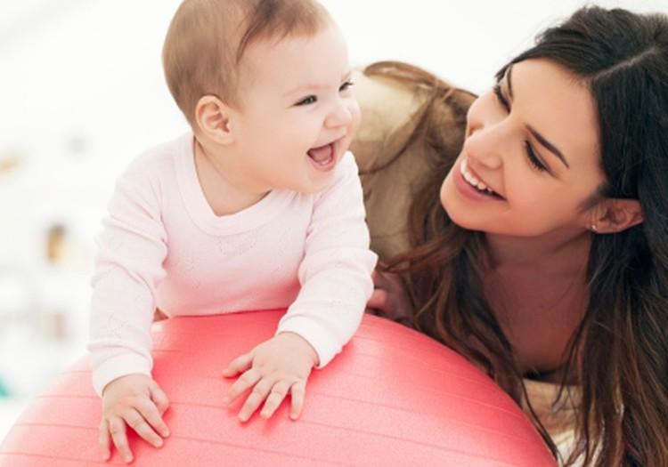 Māmiņām, kuras bērnus audzina vienas.