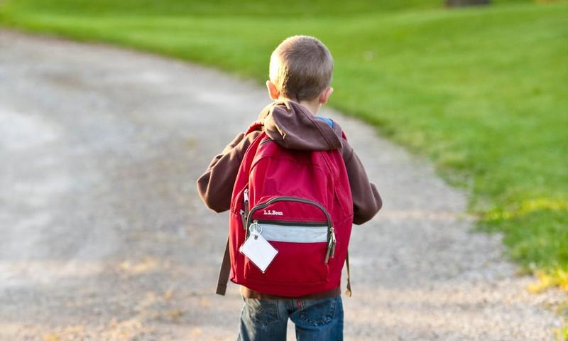 Divos gadījumos Covid-19 slimnieku bērni apmeklējuši skolu