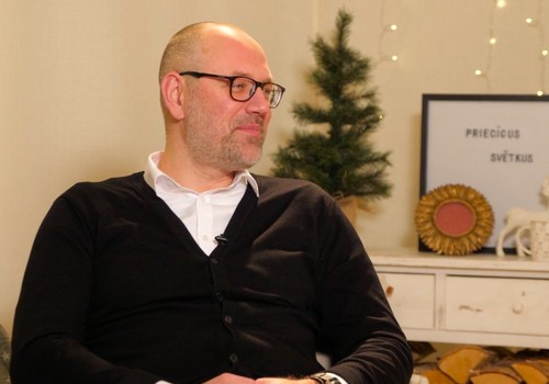 """Mācītājs K. Simanovičs: """"Ziemassvētku laikā apņemies turpmākā gada laikā izdarīt kādu labu darbu"""""""