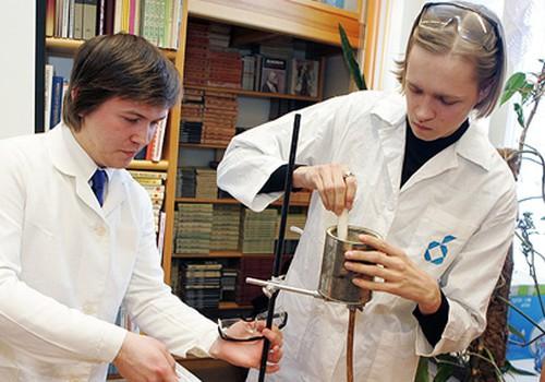 Skolām trūkst fizikas, ķīmijas un krievu valodas skolotāju
