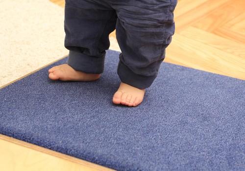 Biežāk uzdotie jautājumi par mazuļa apavu iegādi