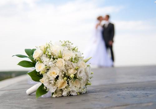 FACEBOOK konkurss ar VIENU FOTO: Mana mīļākā kāzu bilde!
