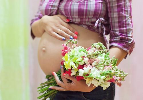 Rēzus faktora nesaderība – kā tā ietekmē grūtniecību un mazuli?